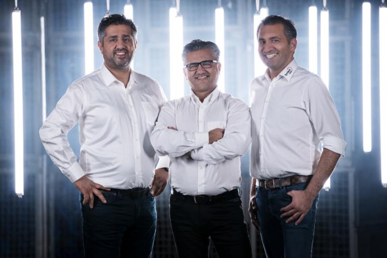 Die drei Firmenlenker von Syntech Plastics (von links): Cengiz, Cüneyt und Hüseyin Karaoglu. Foto: Syntech Plastics